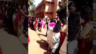 ടീച്ചർമാരുടെ വടം വലി ഒന്ന് കണ്ട് നോക്കൂ,ചിരിച്ച് ചാകും!!   Teachers vs Students Funny Whatsapp video