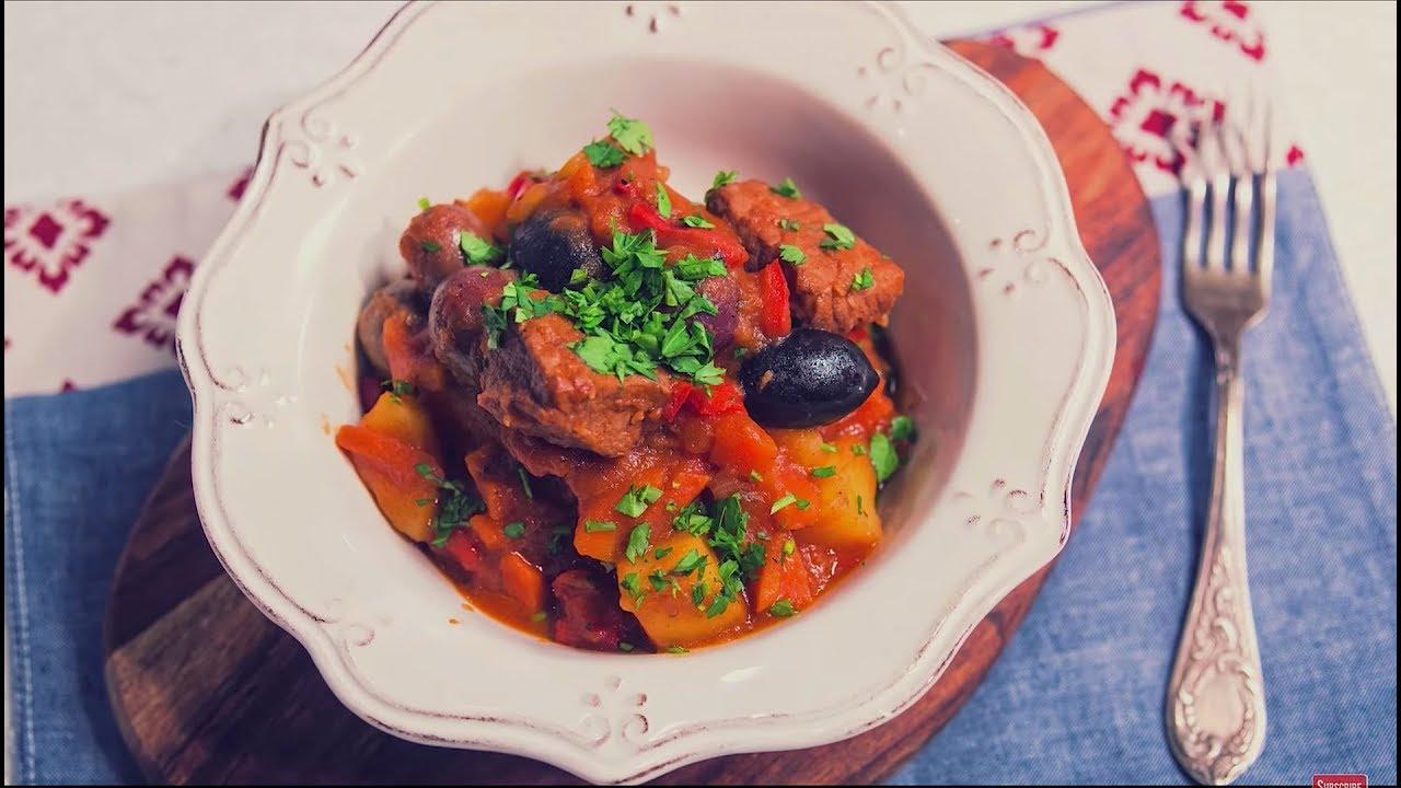 Reteta - Tocanita de porc cu cartofi | Bucataras TV
