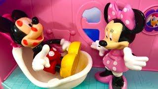 Myszka Miki po Polsku - Bajka dla dzieci - Myszka Miki jest chora