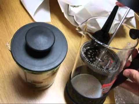 [bodumボダム]フレンチプレス式コーヒーメーカーとミルクフローサー