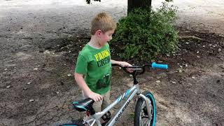 Liam's first ride with no training wheels!