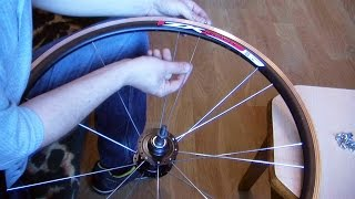 Как заспицевать, спицевать, вставлять, набрать, заменить, спицы на колесе велосипеда на 36 спиц(Мой ВК https://vk.com/id263241899 Полезные видео с моего канала, о ремонте велосипеда. 1) Задняя втулка колеса обслуживан..., 2016-04-18T18:53:34.000Z)