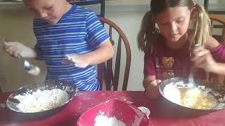 Video Making edible slime Danielle and Derek download MP3, 3GP, MP4, WEBM, AVI, FLV Juli 2018