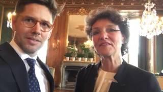 Rektor Cecilia Rydinger Alin tackar Företagarnas medlemmar för donation till Kungl. Musikhögskolan