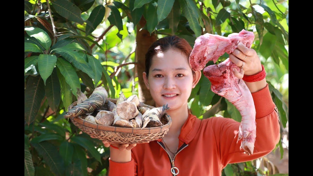 Yummy Pork Leg Stew With Bamboo Shoots Recipe | Pork Leg Stew Cooking | Village Food KH