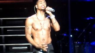 ONE LOVE-TREY SONGZ (LIVE IN TORONTO)