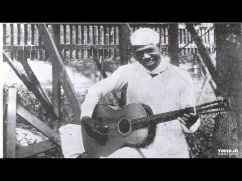BARBECUE BOB -  Waycross Georgia Blues [1928]