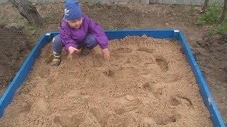 Детская песочница своими руками(Спасибо,что вы с нами и смотрите наши видео!)))Подписывайтесь на канал! Если вам понравилось, пожалуйста,..., 2016-05-06T12:43:26.000Z)