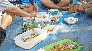 ก้อยปลา ต้มปลา กินข้าวเที่ยงที่ทุงนา ข้างหนอง แซ่บๆแบบวิถีอีสาน