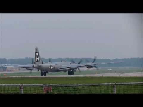 2018 August 19 N529B 'Fifi' Runway 33 At London Ontario YXU