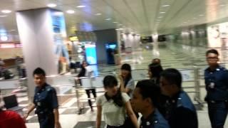 PERFUMEさん シンガポール空港お出迎え 11/23