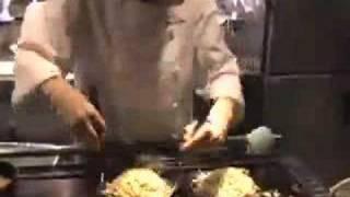 お好み焼きはもちろん、女性店長ならではの、ひと手間加えた鉄板料理が...