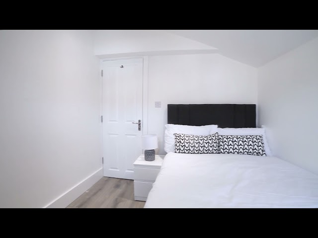 Beautiful Double Room with Private Bathroom Main Photo