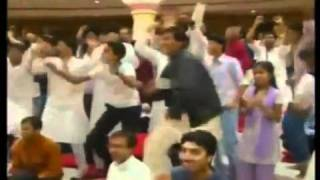 Krishna bhajan at Art of Living satsang with Sri Ravi Shankar at Bangalore Ashram