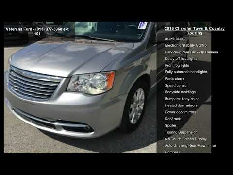 2016-chrysler-town-and-country-touring