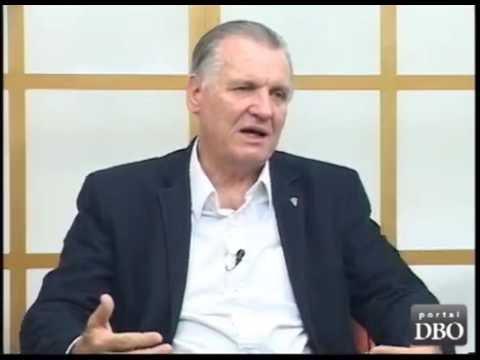 Só parar de vacinar contra aftosa não basta, diz Inácio Kroetz