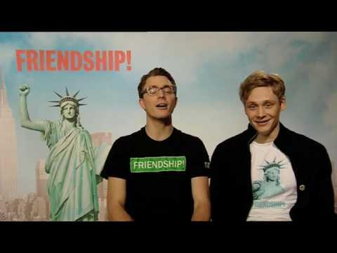 FRIENDSHIP! - Englisch-Kurs mit Matthias Schweighöfer & Friedrich Mücke