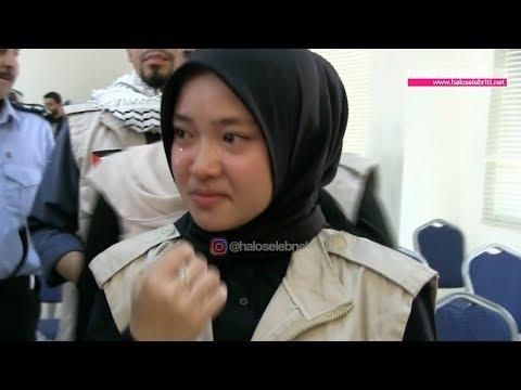 Nissa Sabyan Meneteskan Air Mata Kunjungi Kemp Pengungsian | Halo Selebriti