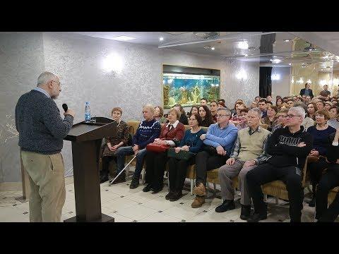 UTV. Николай Сванидзе рассказал уфимцам, почему по всей стране надо сносить памятники Ленину