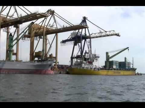 Port of Makassar - Pelabuhan Makassar - South Sulawesi (Celebes) - Indonesia