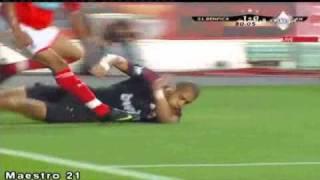 Sporting lisbon and usa defender onyewu
