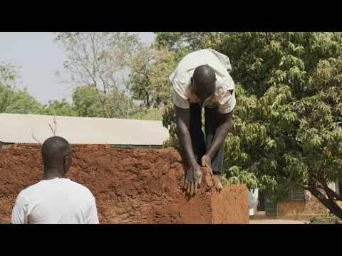 Traditional Northern Ghana Mud Construction & Pounding (4K)