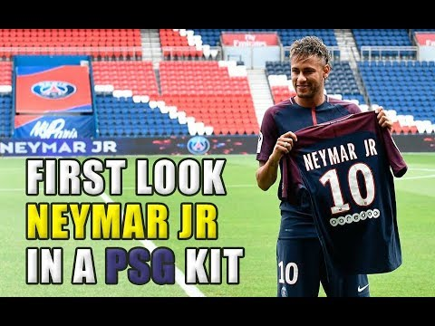 finest selection c79de 96aa3 WOW!! First look at Neymar Jr in a PSG kit! 👀