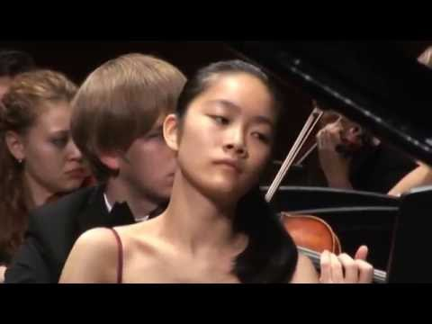 Tiffany Poon plays Chopin Concerto No. 1 in E Minor Op. 11 (Better Audio)