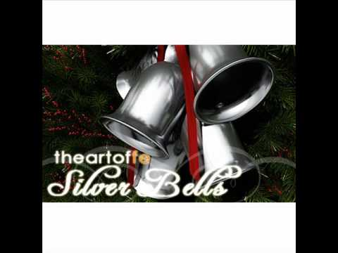 Jingle bells (feat. The puppini sisters) by michael bublé on.