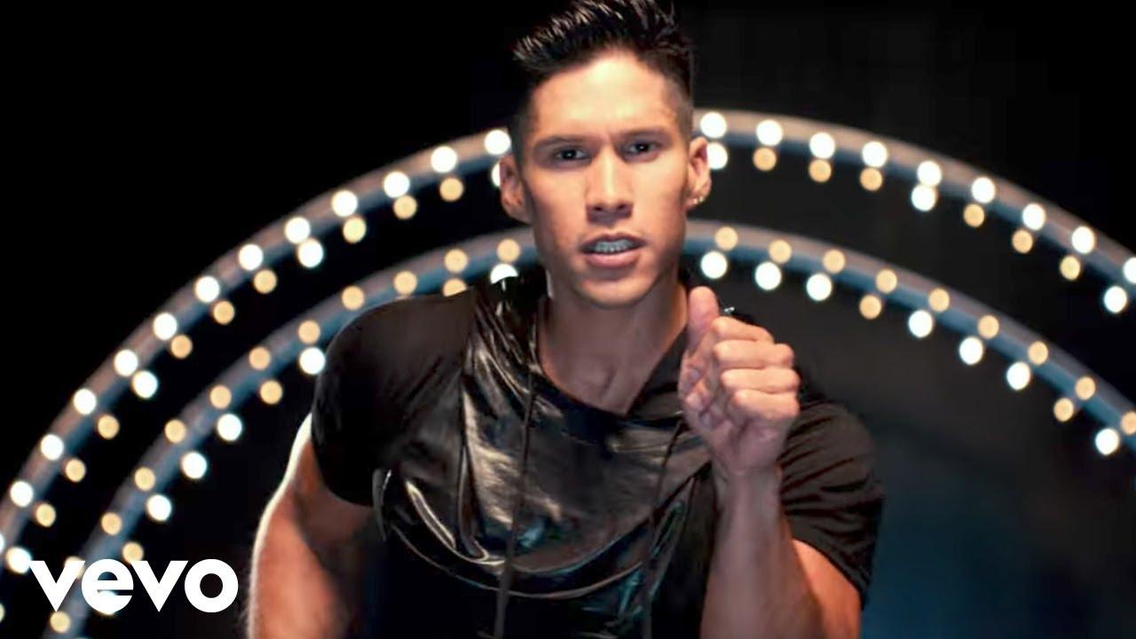 Download Chino y Nacho - Tú Me Quemas ft. Gente De Zona, Los Cadillacs (Video Oficial)