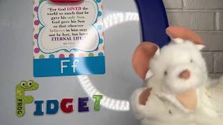 Puppet Shack: #Vlogtober #6 Letter F Bible Verse with Fidget the Mouse 🐁