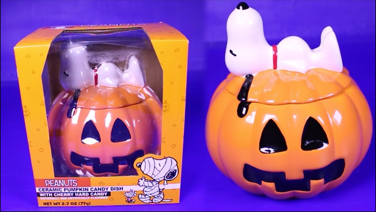2016 halloween peanuts snoopy on a pumpkin candy dish unboxing peanuts figures peanuts toys review youtube - 2017 Halloween Candy