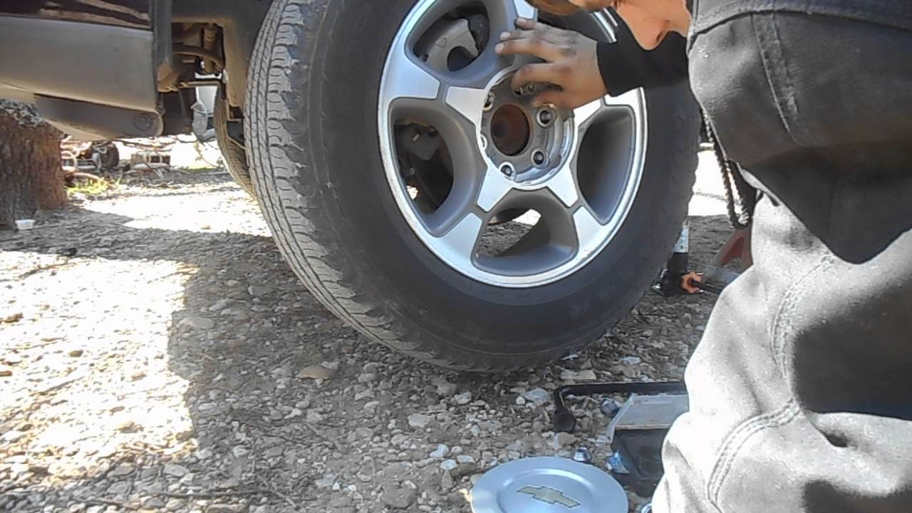 2004 Chevy Trailblazer Brake Pad Replacement