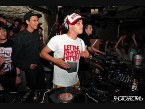 Boys Noize - kontact me (Housemeister remix)