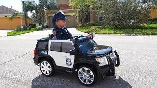 ضابط شرطة سينيا مقابل لصوص الدراجات النارية