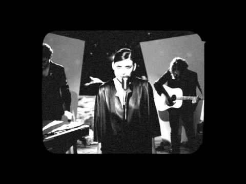 Lykke Li - I Know Places (Live on the Moon)