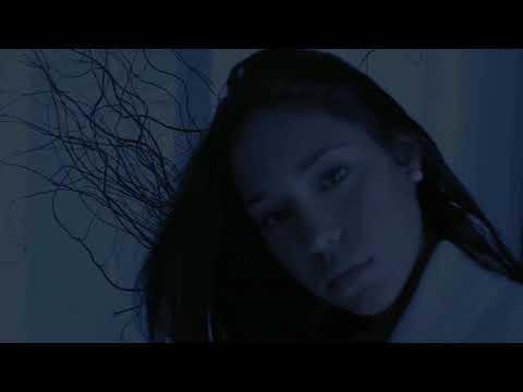 No Piensas En Mi [Vídeo Oficial] - Cosculluela