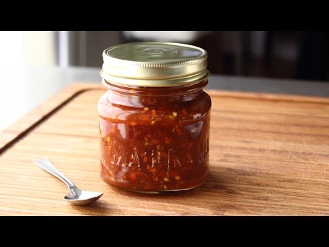 Thai-Style Sweet Chili Sauce Recipe – How to Make a Sweet & Spicy Chili Dipping Sauce
