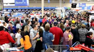 Black Friday 2012 on Thanksgiving Fight, Flip out, and Passout Walmart Moline, IL