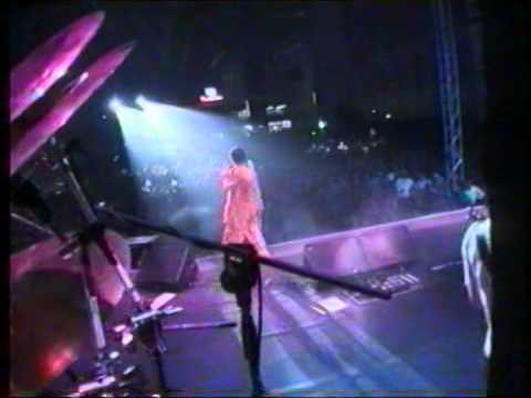 THE CRANBERRIES Stars Istanbul,Turkiye 2002