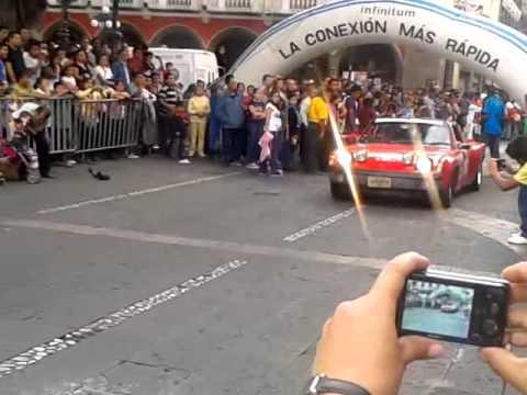 LLEGADA AL ZOCALO DE PUEBLA DE LA CARRERA PANAMERICANA 2012