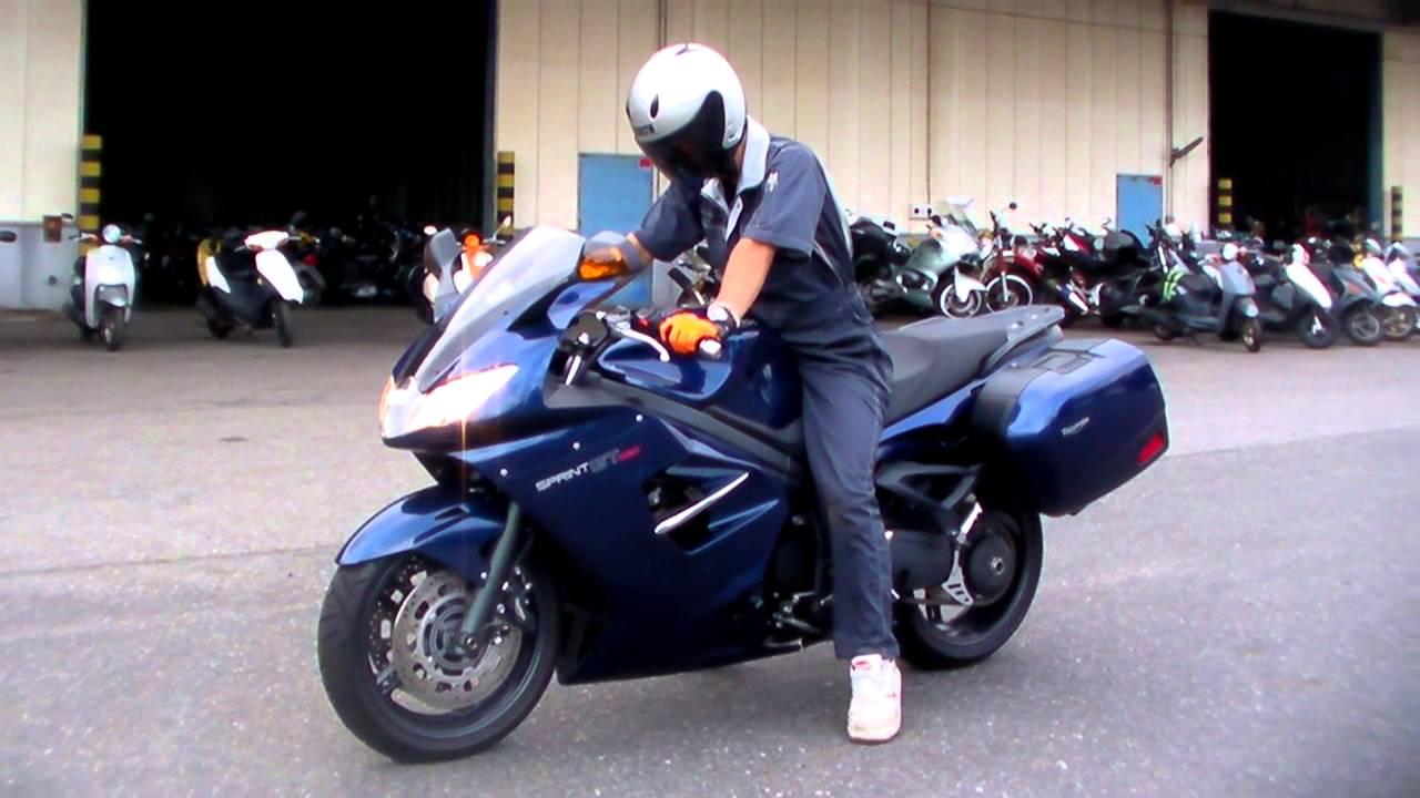 Triumph Sprint Gt 140708032 T Youtube