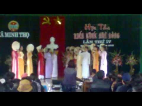 """Múa nón """"một thoáng quê hương""""_Nhà nông đua tài xã Minh Thọ 2012.mp4"""