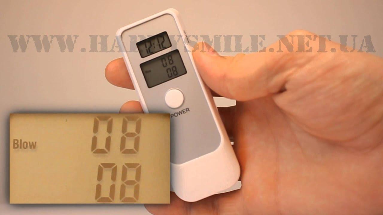 Уникальный алкотестер с двумя жк-дисплеями: на одном отображаются результаты теста, а на другом — температура, время и т. П. Так как первый дисплей двухстрочный, результаты выводятся сразу в двух единицах измерения: г/л (промилле) и %вас. В процессе тестирование проводится бесконтактно,