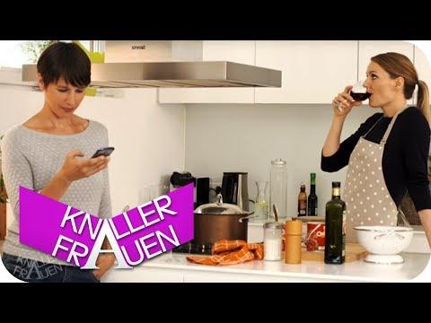 Spaghetti kochen [subtitled] | Knallerfrauen mit Martina Hill