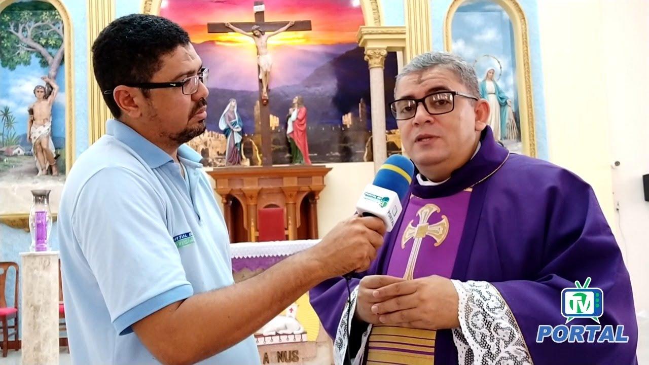 Fiéis lotam igreja para celebrar Quarta-feira de Cinzas em Pedra ...