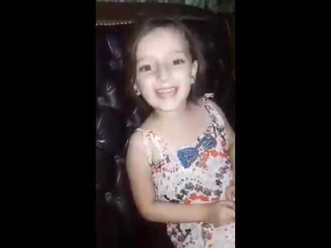 Bomba interrumpe canción de niña siria