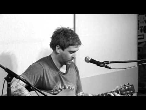 Wes Finch - Bird On A Wire (Leonard Cohen cover - Live @ The Pump House 2015)