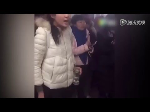 Girl criticizing hospital staff in Beijing who colluded with scalpers