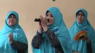 Jilbab Putih qasidah rebana At-Tadrisiyah SMP N 1 CIKIJING
